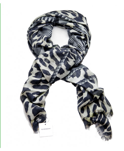 Givenchy Women's Scarf - Leopard